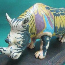 Arte: ARTE PIEZA ÚNICA DE COLECCIÓN, FIGURA ANIMAL, RINOCERONTE PINTADO A MANO. Lote 40570532
