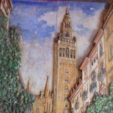 Arte: PRECIOSO RELIEVE EN MADERA, TALLA DE LA GIRALDA DE SEVILLA, PINTADO AL OLEO. Lote 40741282