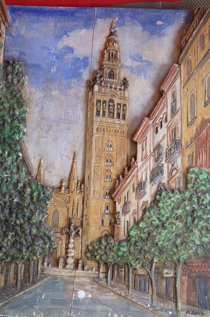Arte: PRECIOSO RELIEVE EN MADERA, TALLA DE LA GIRALDA DE SEVILLA, PINTADO AL OLEO - Foto 3 - 40741282