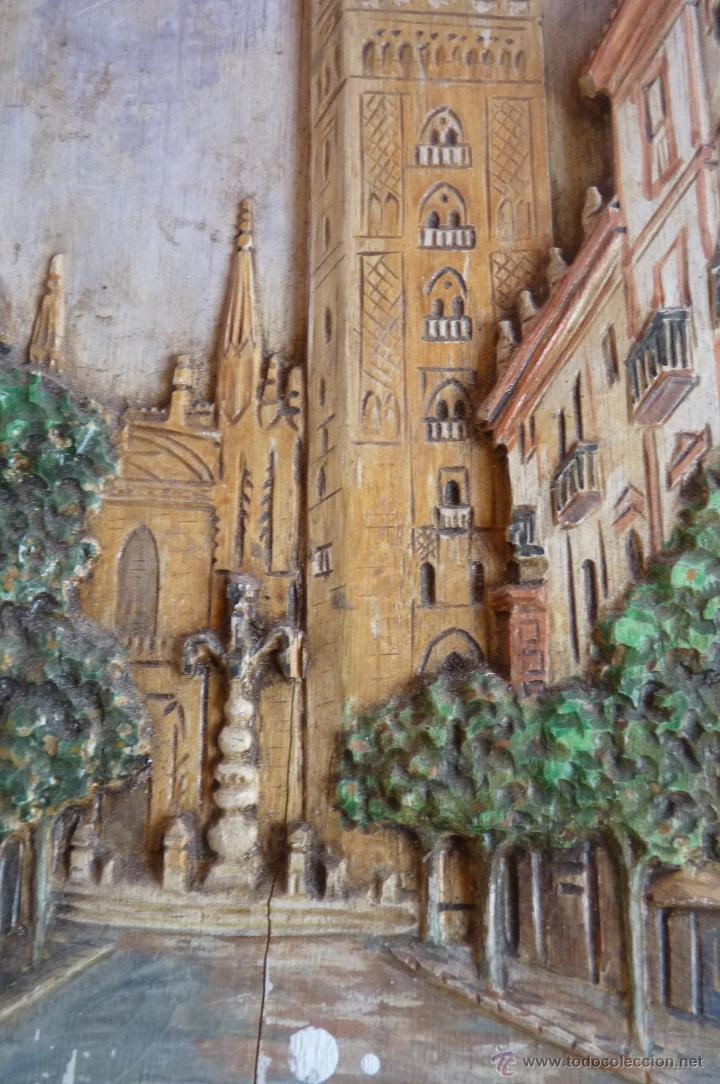 Arte: PRECIOSO RELIEVE EN MADERA, TALLA DE LA GIRALDA DE SEVILLA, PINTADO AL OLEO - Foto 4 - 40741282