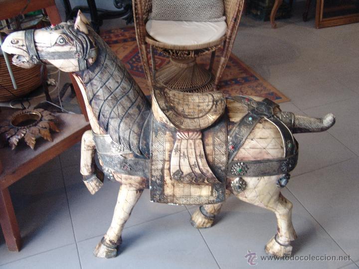 ESPECTACULAR CABALLO ANTIGUO DE HUESO Y METAL (Arte - Escultura - Hueso)