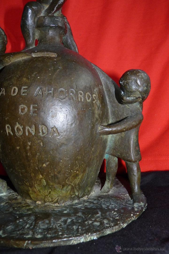 Arte: ESCULTURA EN BRONCE, PRIMITIVO EMBLEMA CAJA DE AHORROS DE RONDA (UNICAJA) MUY ANTIGUA - Foto 12 - 41481154
