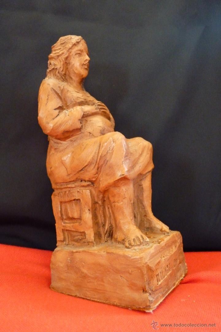 ORIGINAL ESCULTURA EN TERRACOTA, MUJER EMBARAZADA, FIRMADA. (Arte - Escultura - Terracota )