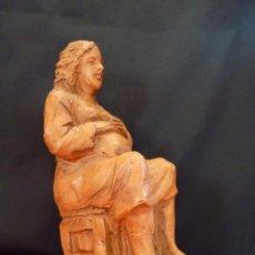 Arte: ORIGINAL ESCULTURA EN TERRACOTA, MUJER EMBARAZADA, FIRMADA.. Lote 41501565