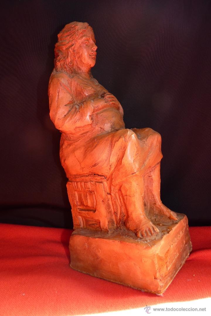 Arte: ORIGINAL ESCULTURA EN TERRACOTA, MUJER EMBARAZADA, FIRMADA. - Foto 3 - 41501565