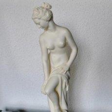 Arte: ARNALDO GIANNELLI ITALIA SIG XX ESCULTURA ALABASTRO DAMA DESNUDA ART NOUVEAU FIRMADA 38 CMS CA.1960. Lote 45204045
