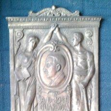 Arte: 1929. PLACA DE BRONCE DE CESAR CABANES I BADOSA JOSE GUARDIOLA ROS TERRASSA ARENYS MAR. Lote 46378041