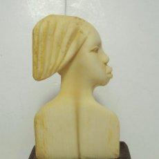 Arte - Antiguo Busto en Marfil. Arte Tribal Africano. Base de Madera. - 50818517
