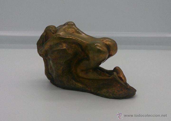 Arte: Sensual escultura en bronce de mujer desnuda en pose erótica, art nouveau, firmada y numerada, XIX . - Foto 4 - 52596319