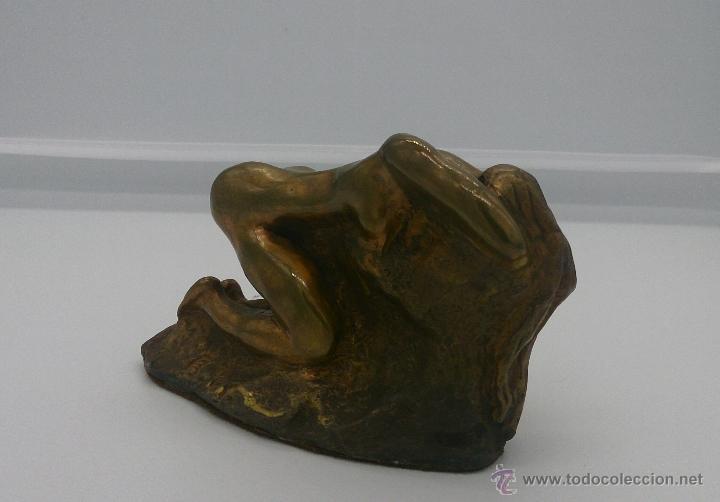Arte: Sensual escultura en bronce de mujer desnuda en pose erótica, art nouveau, firmada y numerada, XIX . - Foto 8 - 52596319