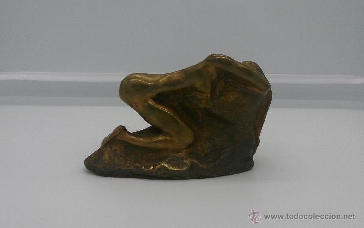 Arte: Sensual escultura en bronce de mujer desnuda en pose erótica, art nouveau, firmada y numerada, XIX . - Foto 9 - 52596319