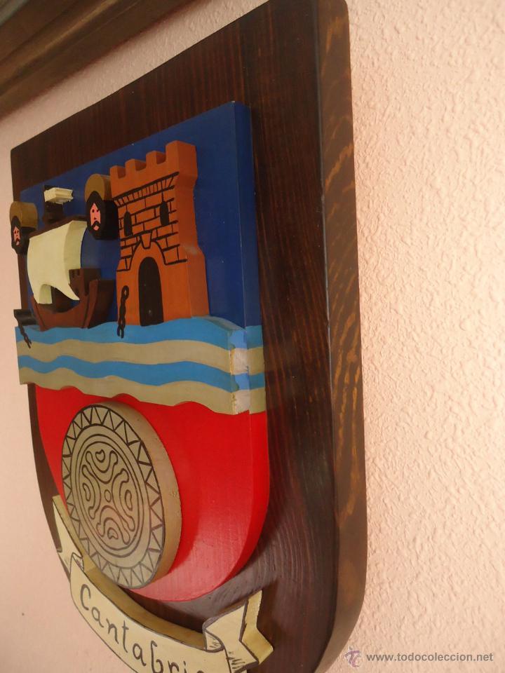 Arte: Escudo de Cantabria. Madera 39 x 31 x 6 . trifasico - Foto 2 - 52747279