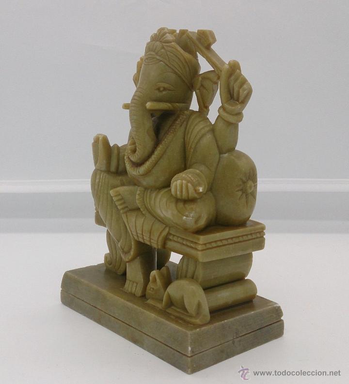 Arte: Escultura antigua del dios Ganesha en piedra jabón color verde jade tallada a mano . - Foto 2 - 82779403