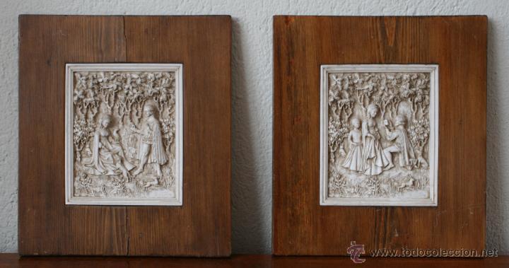 PAREJA CUADROS ESCENAS TALLADAS RESINA RELIEVE ENMARCADAS FECHADO Y FIRMADO D. H. MORTON INGLATERRA (Arte - Escultura - Resina)