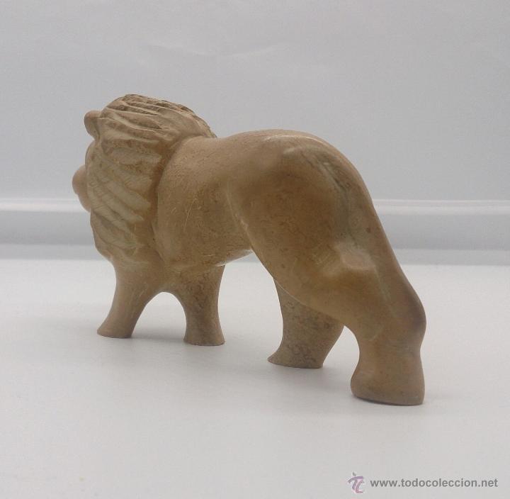 Arte: Escultura etíope antigua de león en piedra tallada a mano . - Foto 2 - 54574413
