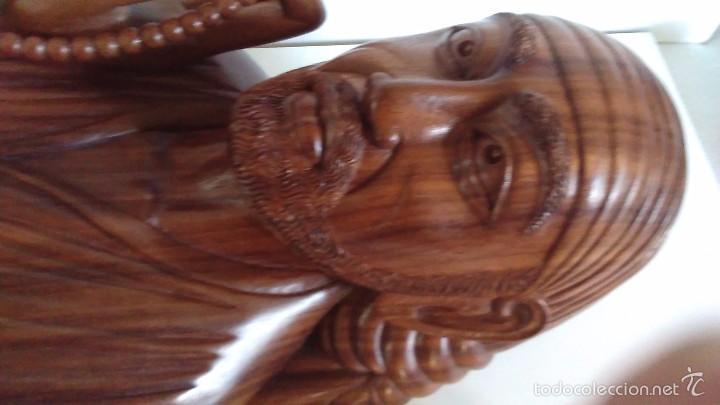 Arte: Escultura oriental tallada en madera noble. 47 cm x 30 cm. Peso: 8 Kg - Foto 8 - 55405089
