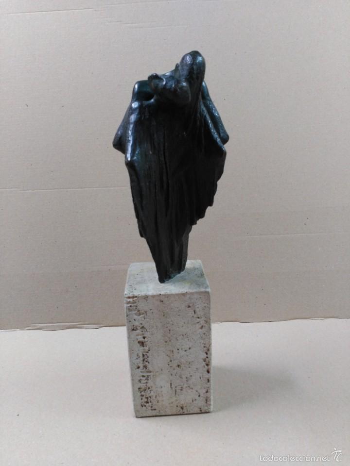 Arte: Escultura de bronce, el beso, en peana de piedra - Foto 3 - 56464478