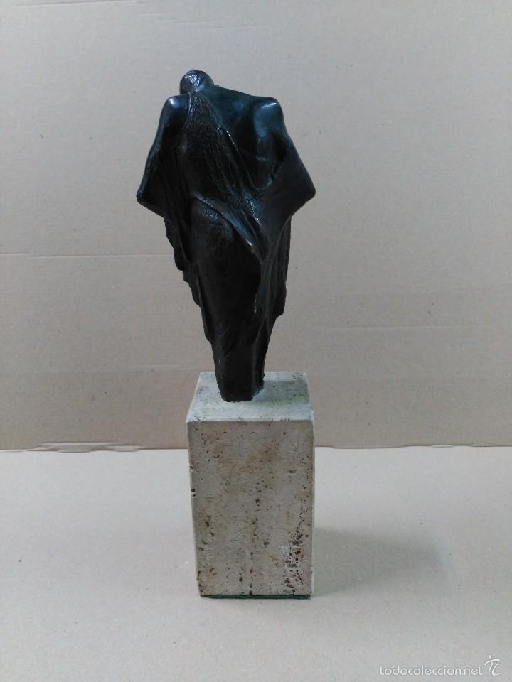 Arte: Escultura de bronce, el beso, en peana de piedra - Foto 5 - 56464478