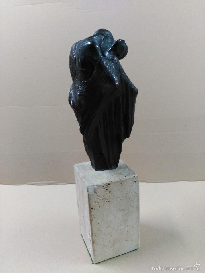 Arte: Escultura de bronce, el beso, en peana de piedra - Foto 7 - 56464478