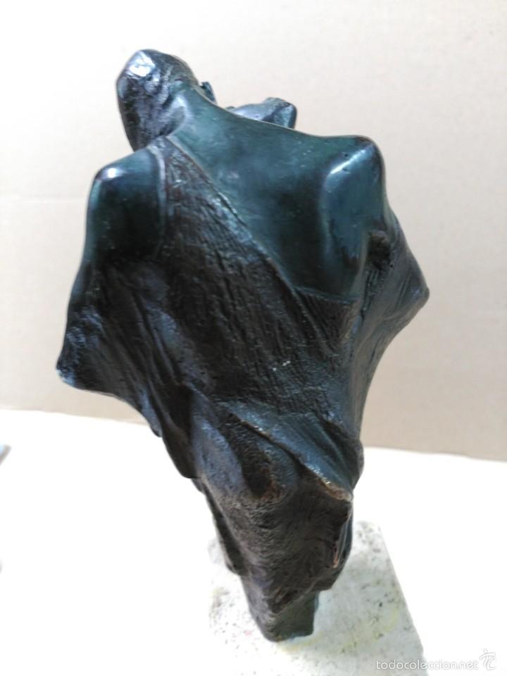 Arte: Escultura de bronce, el beso, en peana de piedra - Foto 11 - 56464478