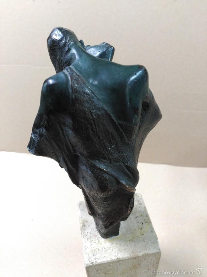 Arte: Escultura de bronce, el beso, en peana de piedra - Foto 12 - 56464478