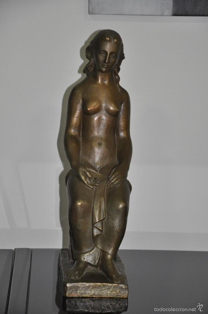 ESCULTURA REALIZADA EN BRONCE DESNUDO FEMENINO , POSIBLE DE OCTAVIO VICENT , SIN FIRMAR (Arte - Escultura - Bronce)