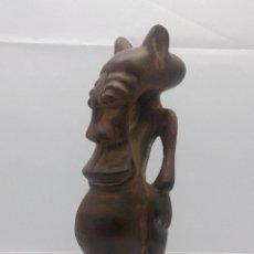 Arte: TALLA ANTIGUA DE DEMONIO EN MADERA NOBLE TALLADA A MANO POR LA TRIBU AFRICANA YORUBA ( BENÍN ) .. Lote 58120653