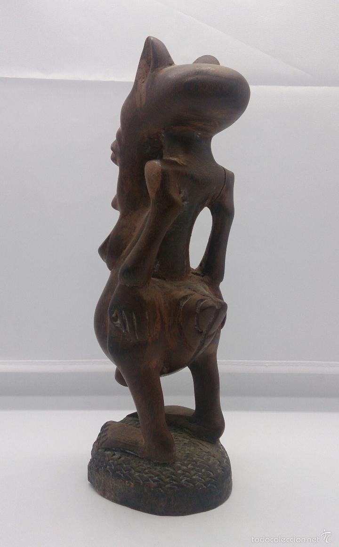 Arte: Talla antigua de demonio en madera noble tallada a mano por la tribu africana Yoruba ( Benín ) . - Foto 3 - 58120653