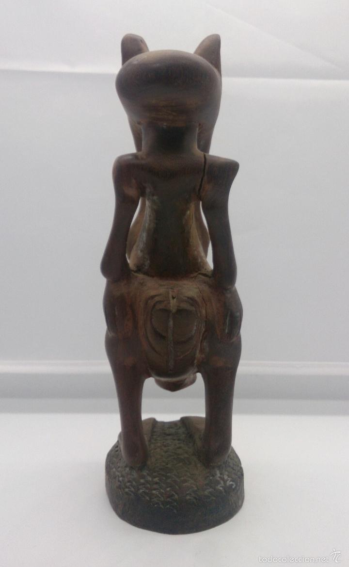 Arte: Talla antigua de demonio en madera noble tallada a mano por la tribu africana Yoruba ( Benín ) . - Foto 4 - 58120653