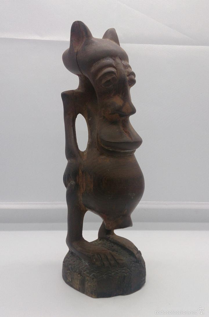 Arte: Talla antigua de demonio en madera noble tallada a mano por la tribu africana Yoruba ( Benín ) . - Foto 6 - 58120653