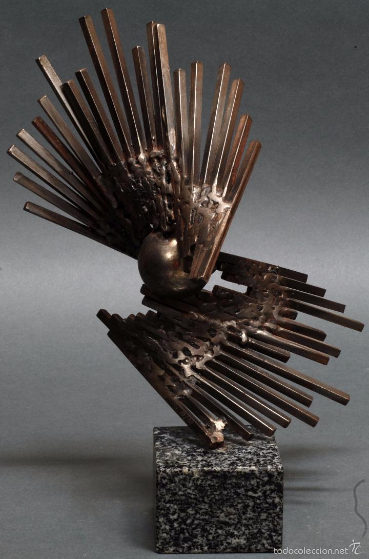 Escultura metal base m rmol sergio castillo man comprar for Valor marmol chile