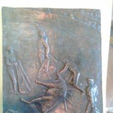 Arte: CAMIL FABREGAS I DALMAU (MOIÀ 1906 - SABADELL 2003) PLAFÓN EN BRONCE DE TEMA TAURINO.( PUNTILLANDO Y. Lote 61286459