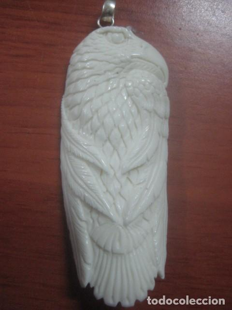 PRECIOSA TALLA DE MARFIL COMPLETO TALLADO EN FORMA DE AGUILA, 8,3 CMS DE LARGO, 20 GRAMOS (Arte - Escultura - Marfil)