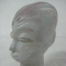 Arte: ANTIGUA TALLA EN PIEDRA DE ORIGEN TRIBAL AFRICANO, PULIDA A MANO EN FORMA DE BUSTO DE MUJER. Lote 61921644