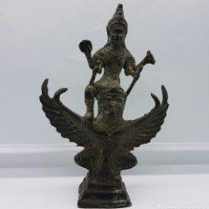 Arte: ESCULTURA ANTIGUA EN BRONCE DEL DIOS SHRI VISHNU MONTADO SOBRE GARUDA, BELUR (INDIA).. Lote 63248792