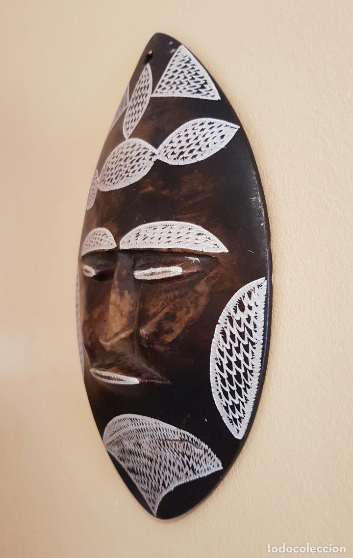 Arte: Máscara antigua de arte azteca en pìedra tallada a mano . - Foto 2 - 63398800