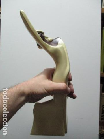 Arte: Estatua de mujer, firmada J C, de ARTAMIC. SA - Foto 11 - 64588139