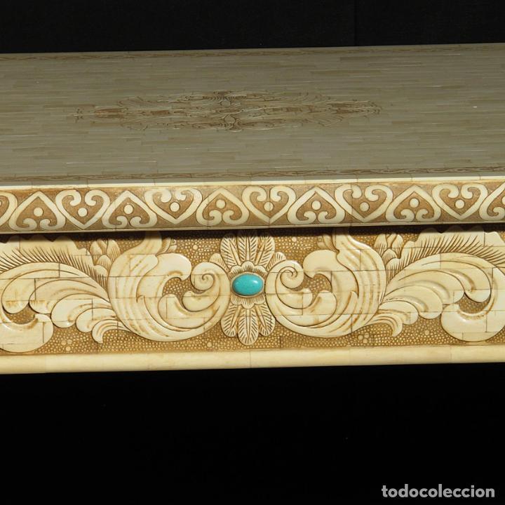 Arte: Espectacular consola de hueso tallado con detalles de turquesa y onix. 142cm. - Foto 4 - 67241325