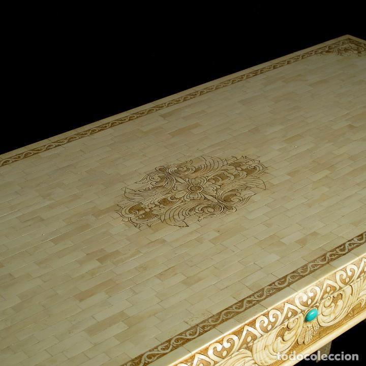 Arte: Espectacular consola de hueso tallado con detalles de turquesa y onix. 142cm. - Foto 5 - 67241325