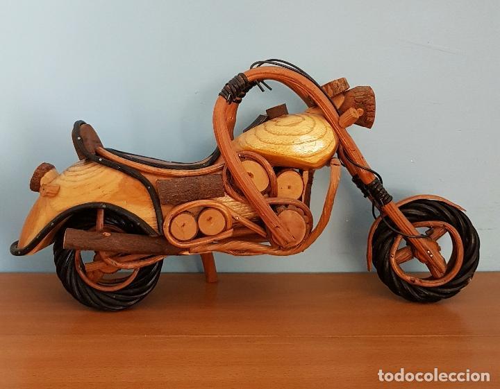 Arte: Original escultura de moto tipo Harley davidson en maderas nobles macizas a escala . - Foto 3 - 68922117