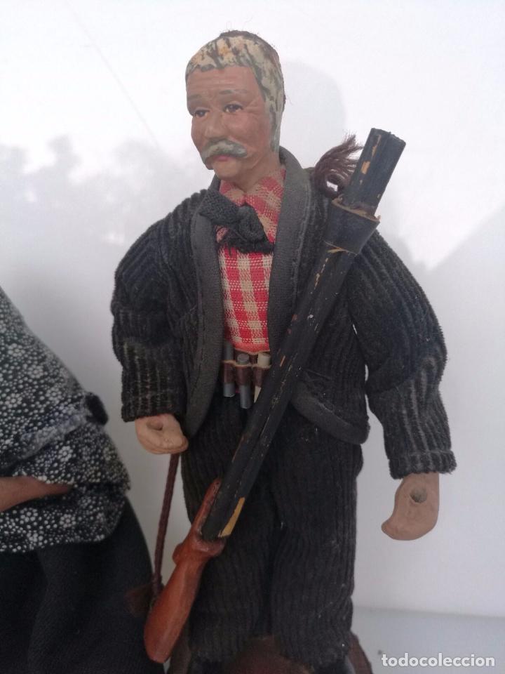 Arte: Pareja de abuelos - Figuras de Barro terracota - tipo belén napolitano 19,5 cm y 18cm - Foto 3 - 69063109