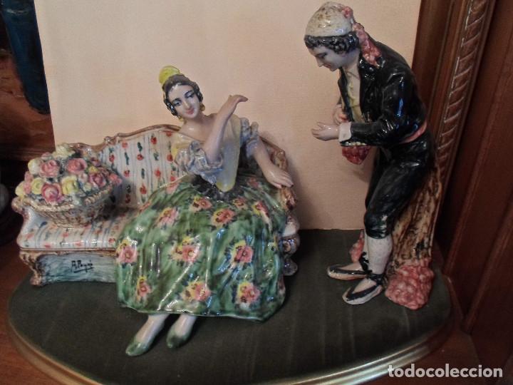 ESCENA GALANTE VALENCIANA DE PEYRÓ (Arte - Escultura - Porcelana)