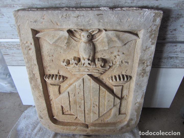 ANTIGUO ESCUDO DE VALENCIA REALIZADO EN PIEDRA (Arte - Escultura - Piedra)