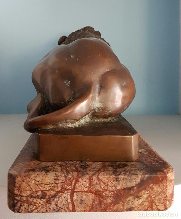 Arte: Gran escultura antigua de majestuoso León en bronce macizo sobre peana de marmol, P.S.XX . - Foto 6 - 73049591