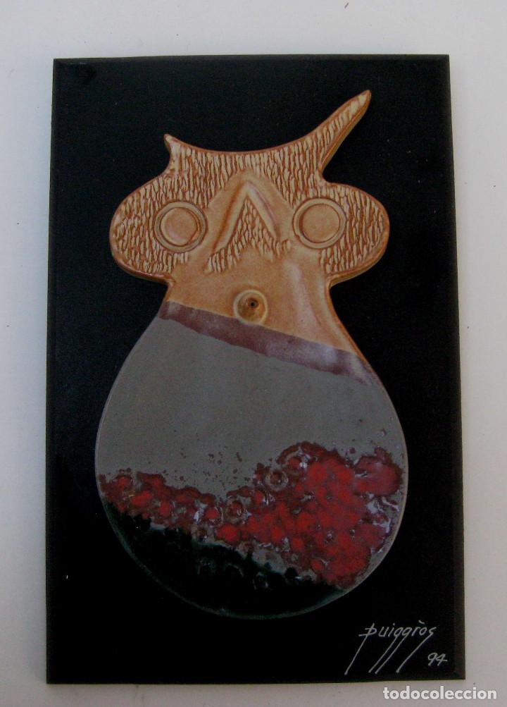 OBRA ESCULTURA RAMON PUIGGROS CERAMICA SOBRE CUADRO SAN FELIU LLOBREGAT 94 (Arte - Escultura - Terracota )