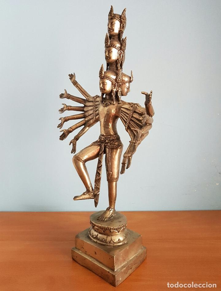 Arte: Gran escultura budista de Avalokitesvara bodhisattva de la compasión en bronce plateado, 50,5 CM . - Foto 2 - 73509347