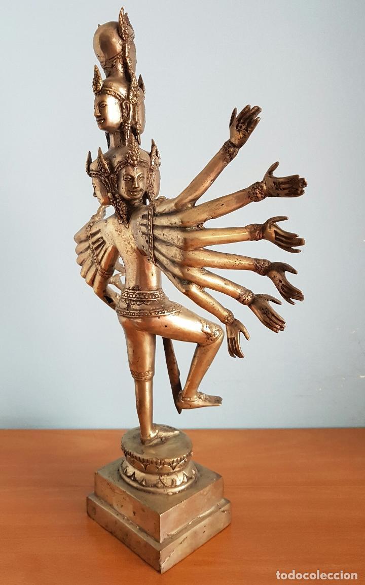 Arte: Gran escultura budista de Avalokitesvara bodhisattva de la compasión en bronce plateado, 50,5 CM . - Foto 4 - 73509347