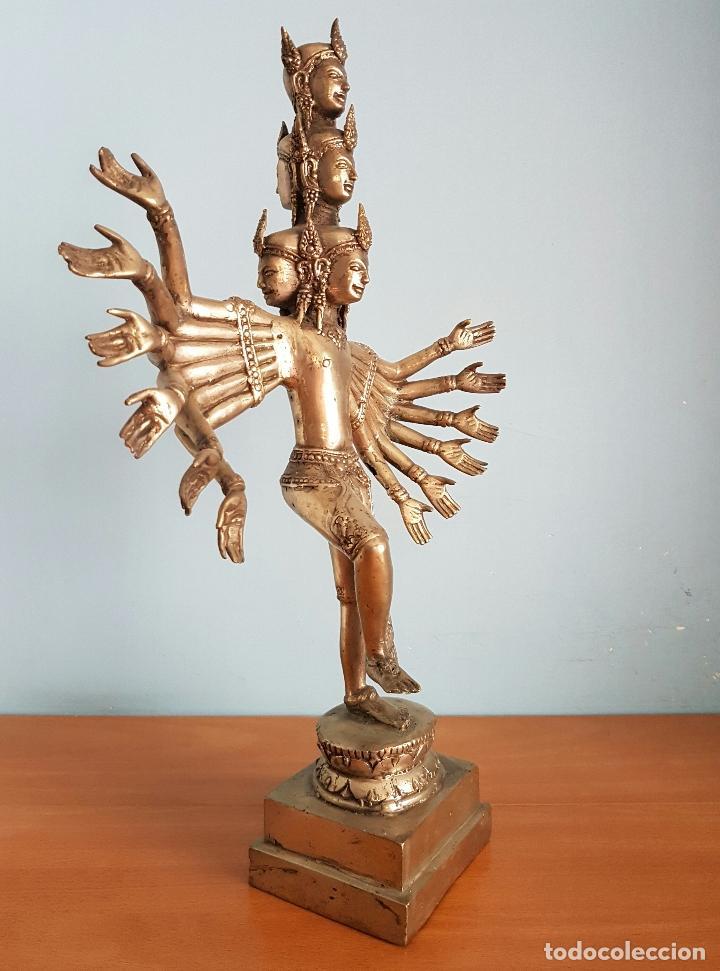 Arte: Gran escultura budista de Avalokitesvara bodhisattva de la compasión en bronce plateado, 50,5 CM . - Foto 5 - 73509347