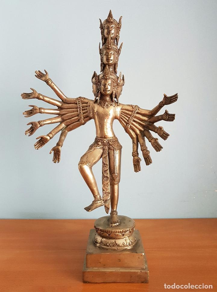 Arte: Gran escultura budista de Avalokitesvara bodhisattva de la compasión en bronce plateado, 50,5 CM . - Foto 6 - 73509347