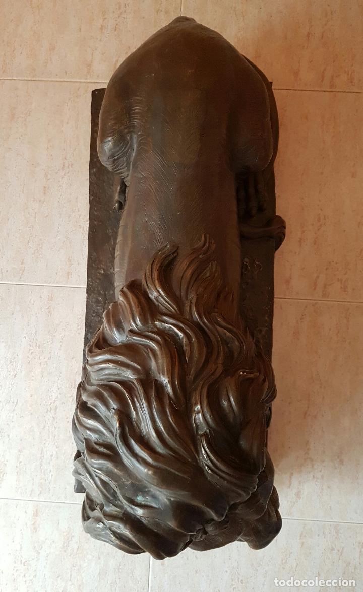 Arte: Gran escultura antigua de majestuoso León en bronce, magnífica obra de arte, 41 CM X 82 CM X 33 CM . - Foto 10 - 73539495